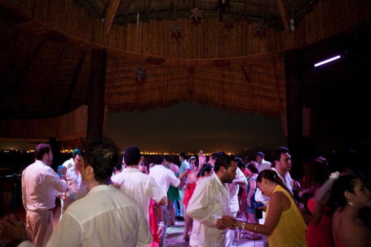 Boda en Manzanillo Barcelo Karmina Palace Wedding // Chery & Kike